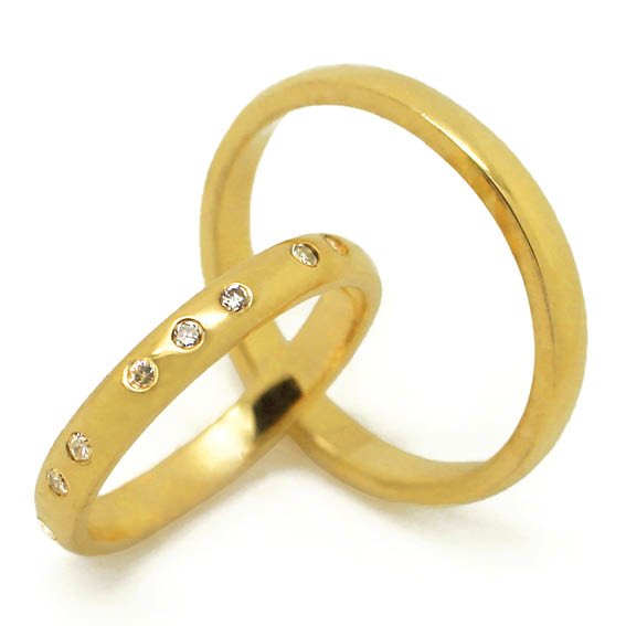 Delicadas alianças em ouro 18k e 9 diamantes   Fran Bagatini 2ca0f954f7